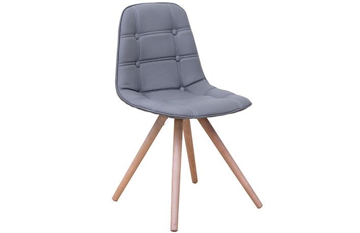 silla con patas macizas
