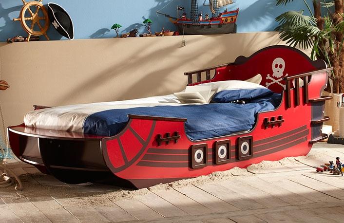 Cama forma barco pirata