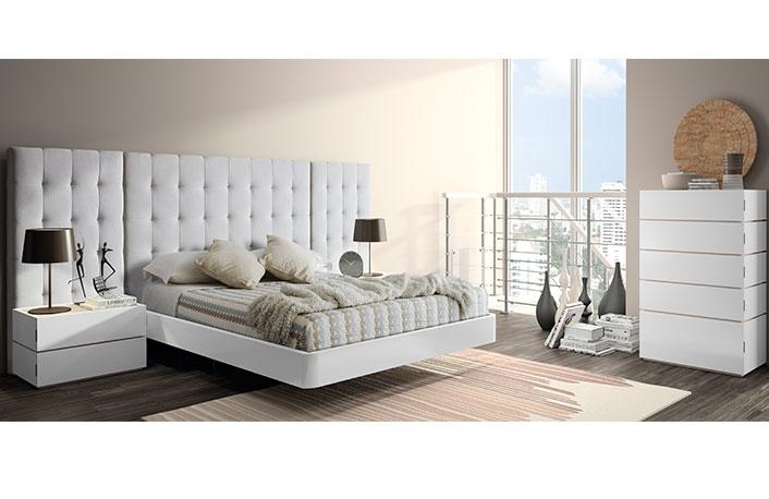 Dormitorio moderno blanco tapizado