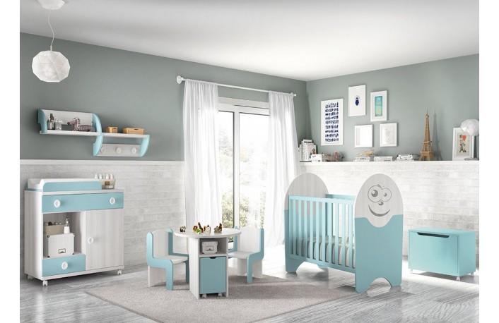 Dormitorio infantil con cuna bebe comoda y cambiador
